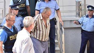 اعتراف المتهم بجريمتي اغتصاب وقتل مراهقتين هزتا أرجاء رومانيا…