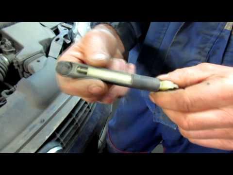Как открыть капот на форд фокус 2 если сломался замок видео