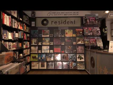 How is Lidl's stocking of vinyl affecting Brighton's record stores?