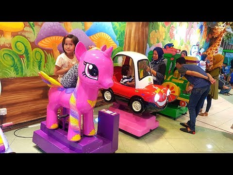 Yee.. Ada odong-odong my little pony AYO NAIK | Sambil main capit SQUISHY