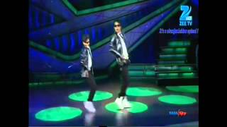 Amazing robot dance ever by prince & rohan