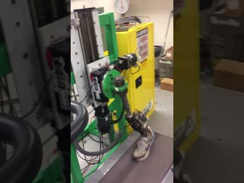 Powered prosthesis with energy regeneration