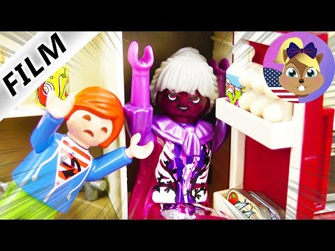 Playmobil Film English  - MONSTER IN FRIDGE! MOLLY WANTS TO SCARE THE KIDS - Smith Family