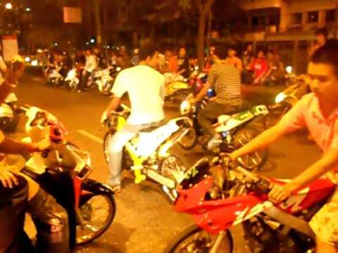 Đua xe xipo Thái Lan 2010 vào buổi tối