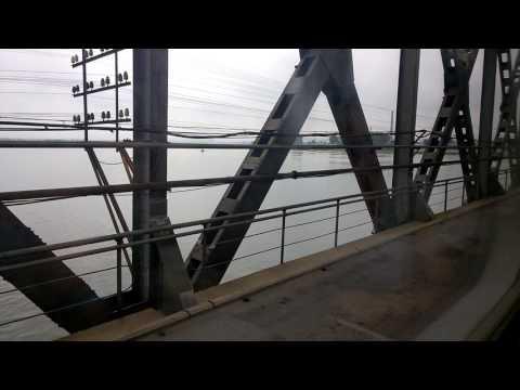 Train crossing over the Yalu River