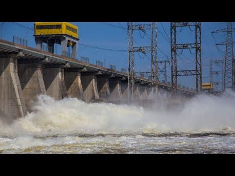 ГЭС СБРОС ВОДЫ  ГЭС ПРОБИВАЕТ ТОКОМ