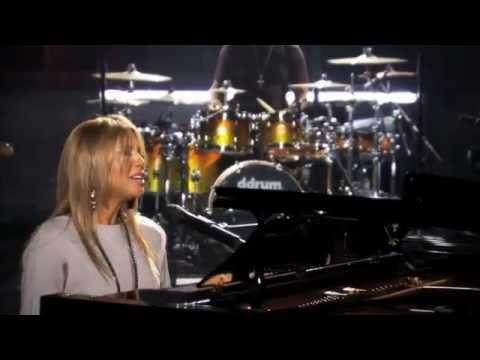 Toni Braxton - Breathe Again (Walmart Soundcheck Live)