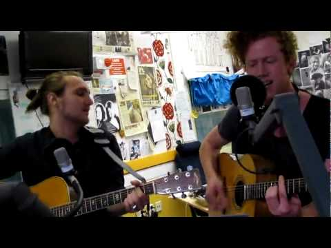 Erik Hassle - Standing where you left me live hos P3