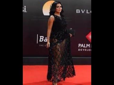 رانيا يوسف تثير الجدل بفستان جريء Rania Youssef raises controversy in bold dress!
