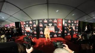 360 Video: Singer Halsey Arrives at the 2017 IHeart Radio Music Awards  | Splash News TV