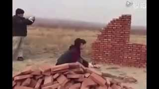 Japanese woman builds a house with her bare hands