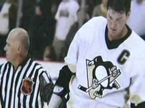 Hockey ray scapinello over 2500 game as lineman