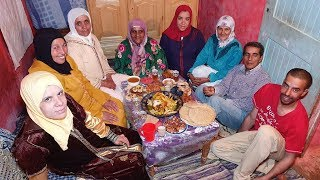 الناس قبل الخبز😐 فطور يوم عاشر رمضان مع لالة حليمة أم أحمد