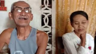 kakek dan nenek inspiratif saling berbagi