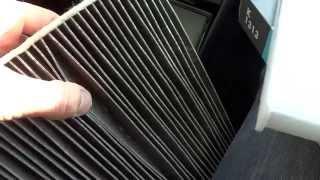 видео Порядок замены фильтра воздушного потока на Skoda Fabia