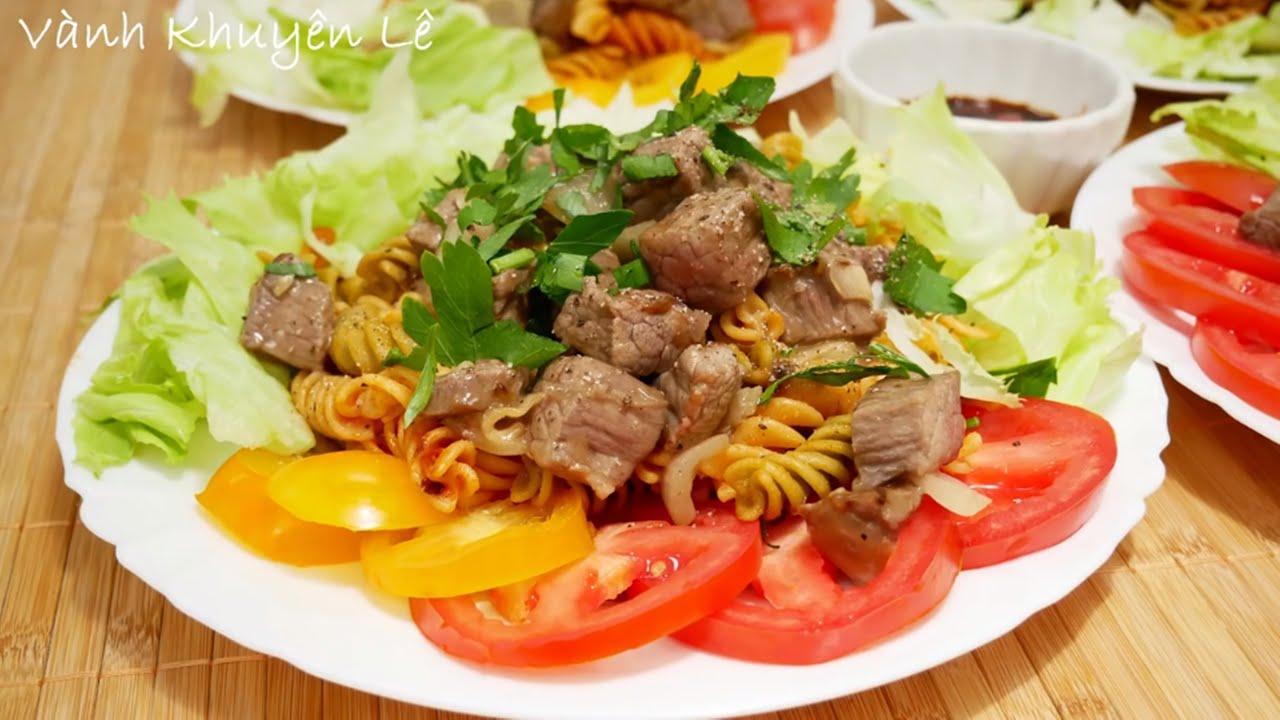 BÒ LÚC LẮC xào NUI – Cách làm món Bò Lúc lắc sao cho thịt mềm ngọt không bị dai by Vanh Khuyen