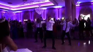THE BEST WEDDING EVER! GROOM SURPRISES BRIDE WITH MICHEAL JACKSON DANCE MOVES