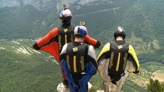 Wingsuit: voler comme un oiseau devient réalité