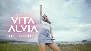 Vita Alvia Cinta Luar Biasa