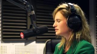 Christine & The Queens - Bashung Cover - Session Acoustique OÜI FM