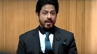 Video Shahrukh Khan Feels He is Greater than Amitabh Bachchan | Aap Ki Adalat download MP3, 3GP, MP4, WEBM, AVI, FLV Juni 2018