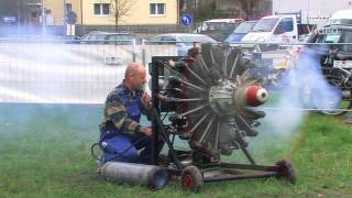 two 9 cylinder radial engines start and run sternmotor