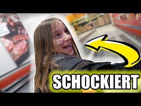 Ein peinlicher UNFALL im Supermarkt ! - Celina