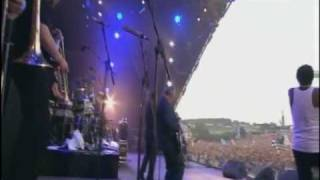 The Specials - Ghost Town (Glastonbury 2009)