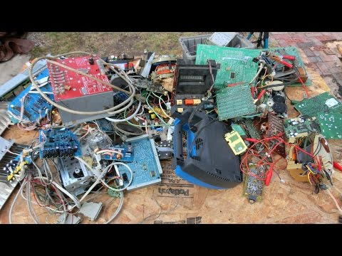 10 Electronic Item Teardown part 2: component salvage