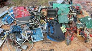 10 Electronic Item Teardown part 2: component salvage