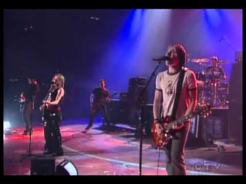 Avril Lavigne - Don't Tell Me - Live @ Juno Awards [04.24.2004] [HQ]