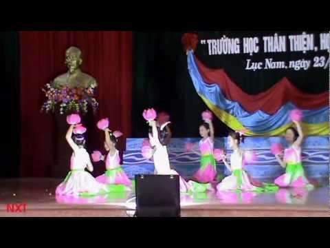 Những Búp sen hồng - HS trường tiểu học Lục Sơn, Lục Nam, Bắc Giang