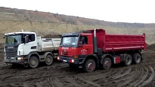 mercedes arocs 10x6 unload with another trucks