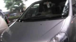 Orang Stress nyetir mobil di Jakarta! Caleg gagal??? Apa orang mabuk?