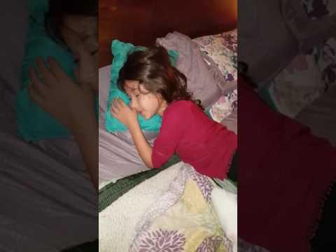 mi sobrina durmiendo jajaja
