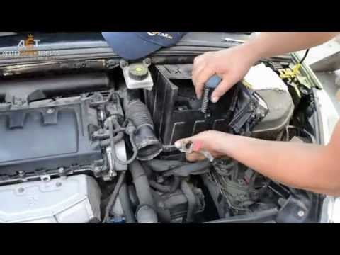 Аккумулятор на Peugeot 308 1.6 бензин: Bosch 60Ah R+