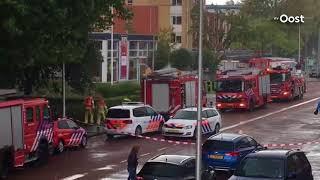 Groot aantal hulpdiensten aan het werk tijdens brand in Zwolle