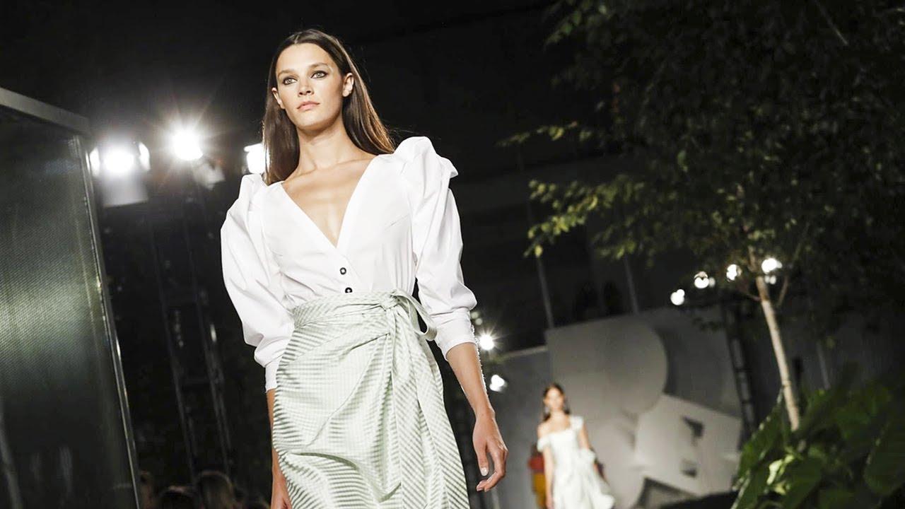 Carolina Herrera   Spring Summer 2018 Full Fashion Show   Exclusive