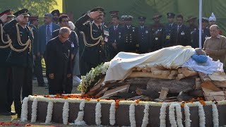 President attended the Cremation Ceremony of late Shri I.K. Gujral - 01-12-12