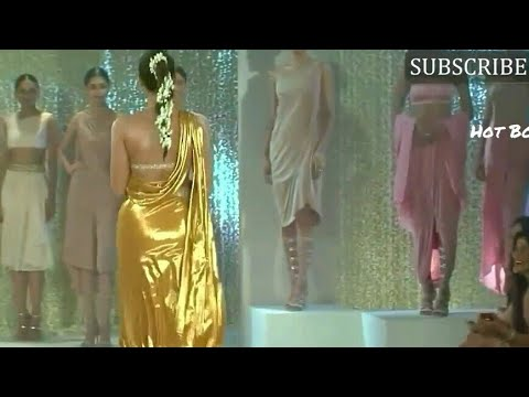 Sonam Kapoor flaunts her hot big assets...