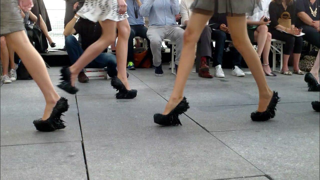 566431fac57c Jolan van der Wiel magnetic shoes for Iris van Herpen - YouTube