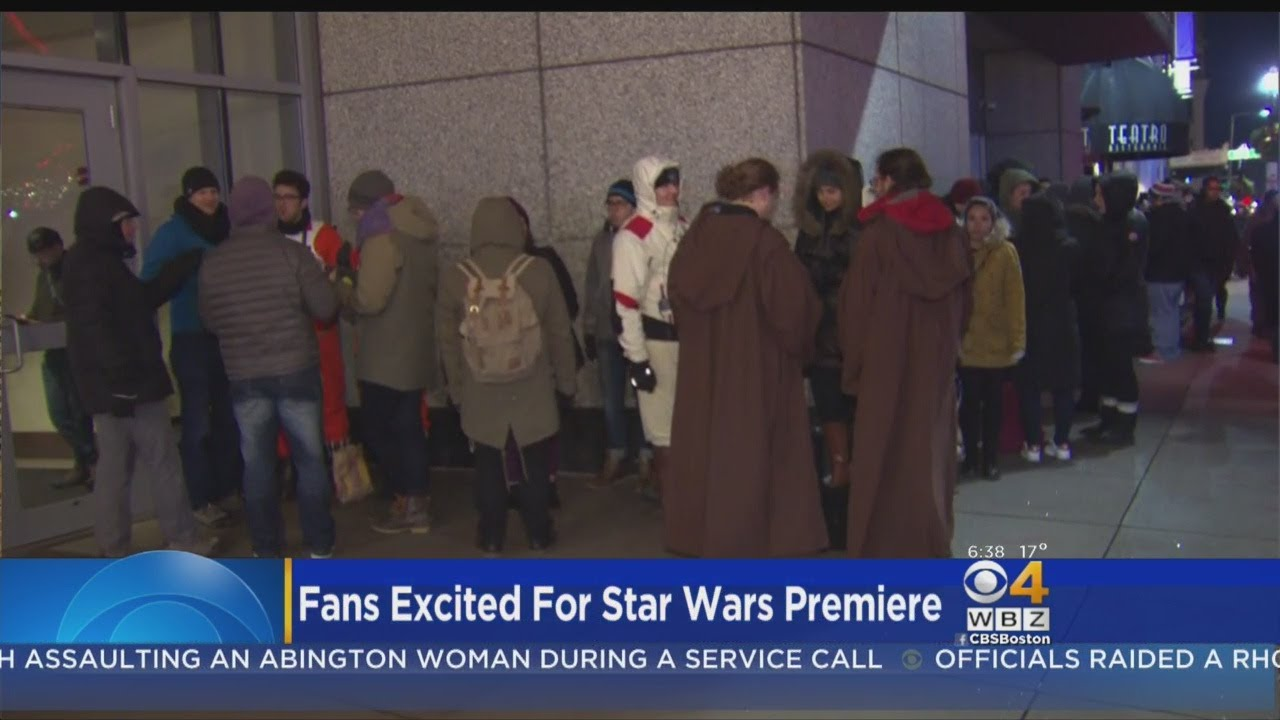 Star Wars Fans Line Up In Bitter Cold To See First Screenings Of New Film