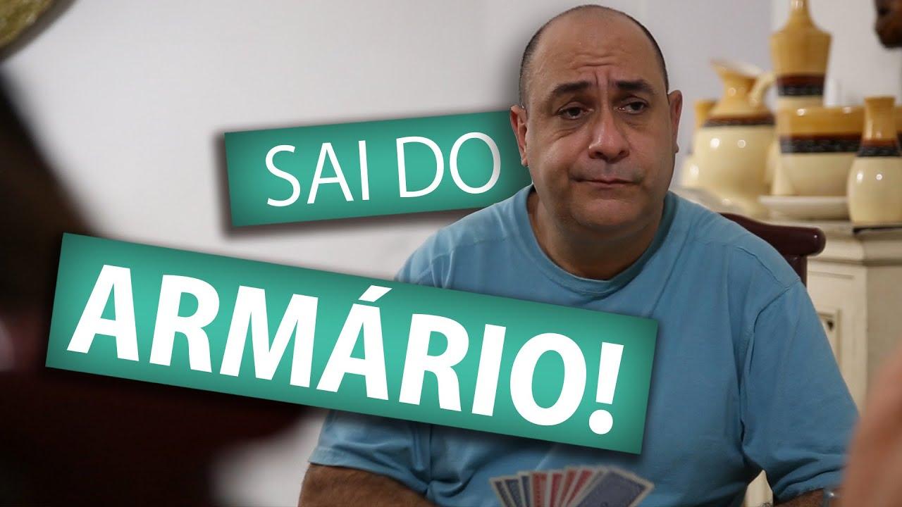 SAI DO ARMÁRIO!