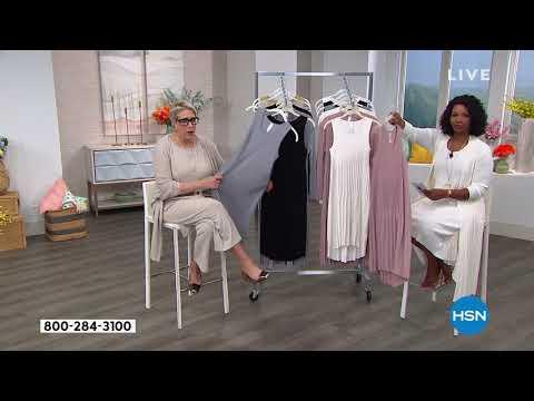 MarlaWynne Pleated Knit Dress. http://bit.ly/2Yb8h6Y