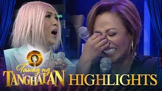 Tawag ng Tanghalan: Jaya can't hold back her laughter