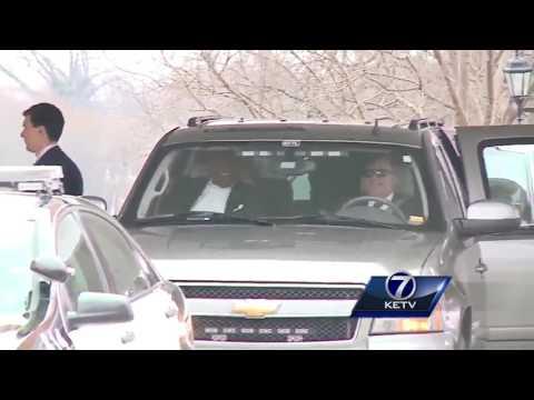 Barack Obama, Warren Buffett leave Happy Hollow Country Club