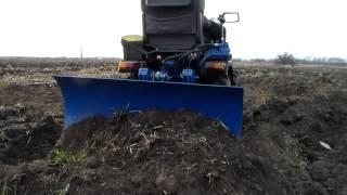 Испытание самодельного мини трактора бульдозера на земле(ак самому сделать полноприводный мини трактор https://www.youtube.com/watch?v=gOklrwpseEw&list=PLR-urDUmB0roEMd6og9NZU3UhNIX0gpz6 ..., 2014-12-21T18:26:58.000Z)