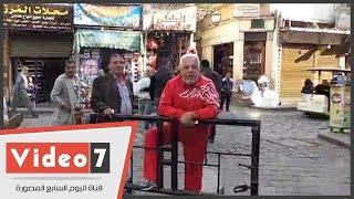 """بالفيديو.. ناخب بالجمالية: """"عاوز أبوس جزمة مبارك.. والشعب مابيمشيش غير بالكرباج"""""""