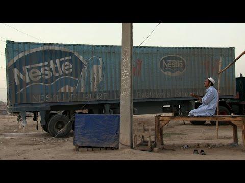 Trailer do filme Vida Engarrafada: O Negócio da Nestlé com a Água