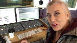 Guitar Solo Through Lightbulb with Producer Sylvia Massy and Odeons